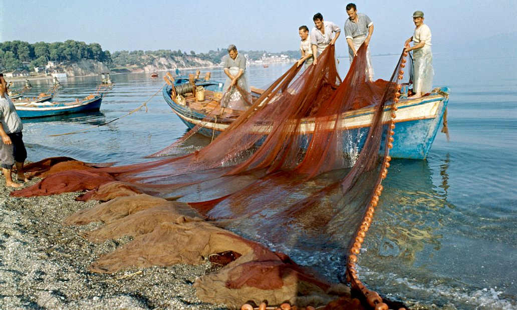 UN picture of fishermen in Evia, Greece