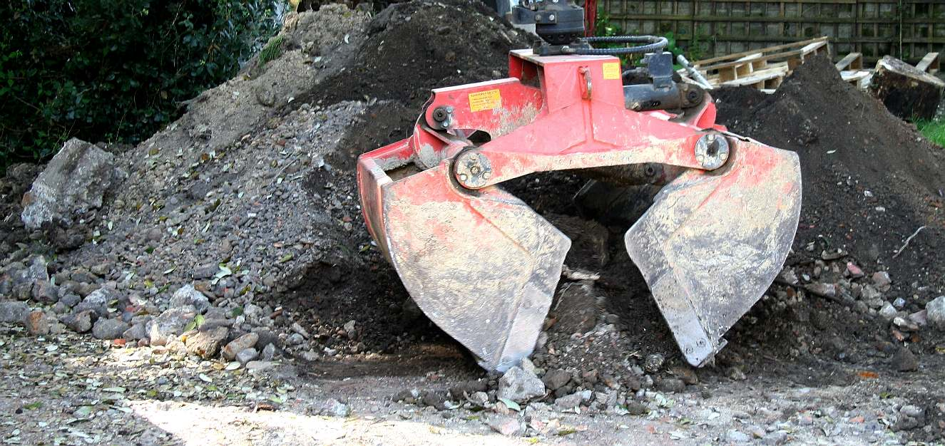 CONCRETING DRIVEWAY WORKSHOP DIGGER HIRE EARTH REMOVAL AMPHIMAX